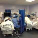 equipe d'anesthesie en chirurgie de la main